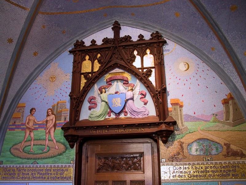 http://tarosite.com/sites/default/files/pictures/chapelle_bleue_droite_1.jpg
