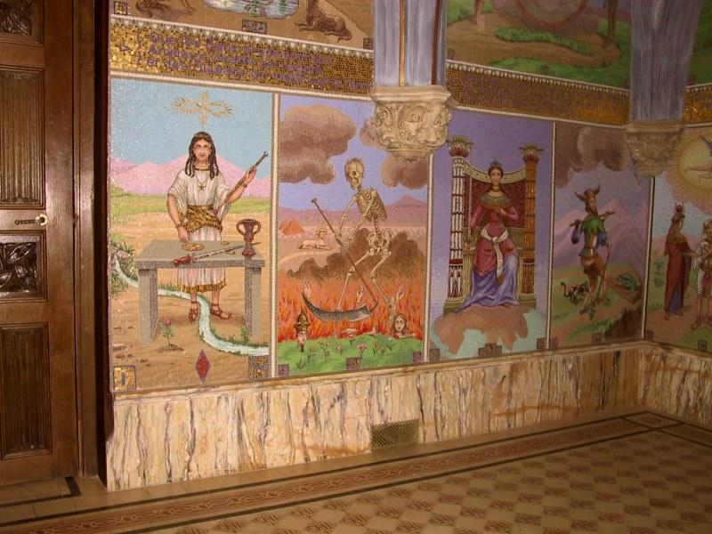http://tarosite.com/sites/default/files/pictures/chapelle_bleue_gauche_1.jpg