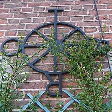 http://tarosite.com/sites/default/files/pictures/tarotwheel.jpg
